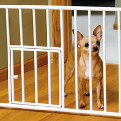 Carlson Mini Gate With Pet Door Step Over 0680pw